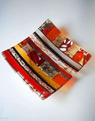 Square red plate with Murano Glass, gold and murrina