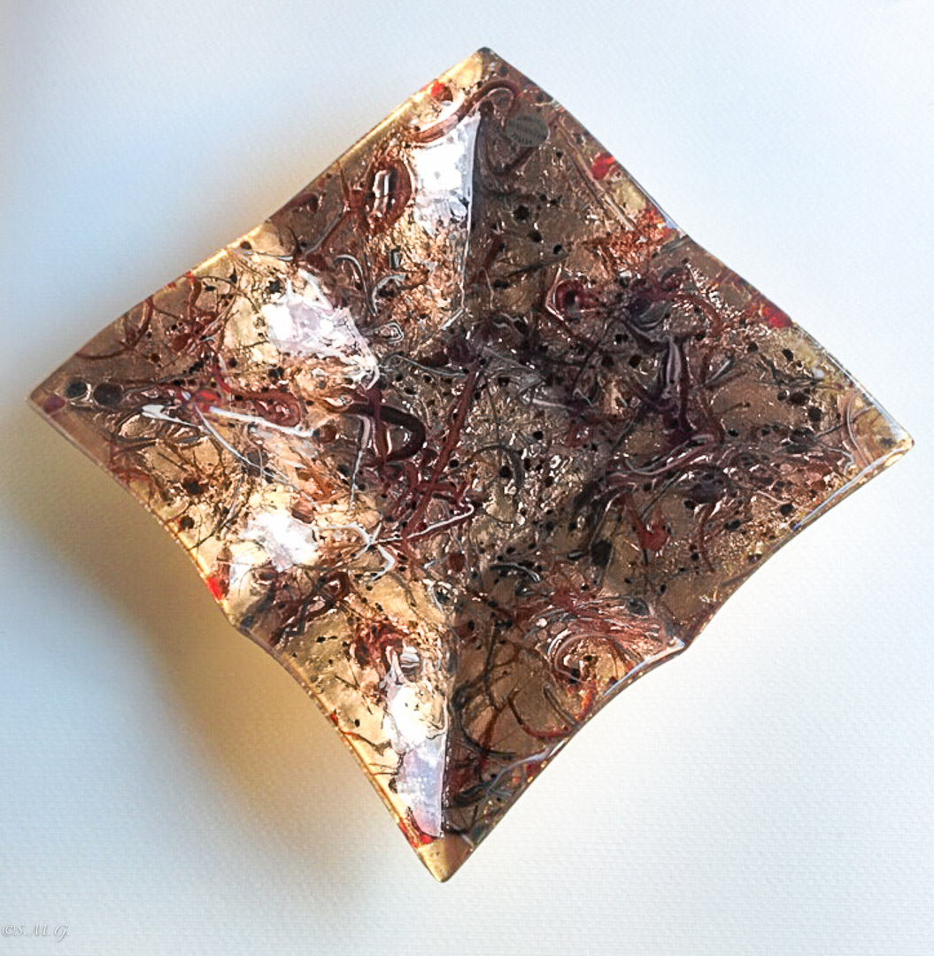 Square Murano Glass fringed plate with gold and red