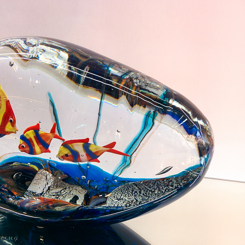Murano glass Fish tank in a cloud shape with 3 fish