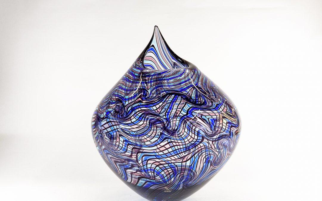 Vaso in vetro di Murano di colore viola e blu Astratto