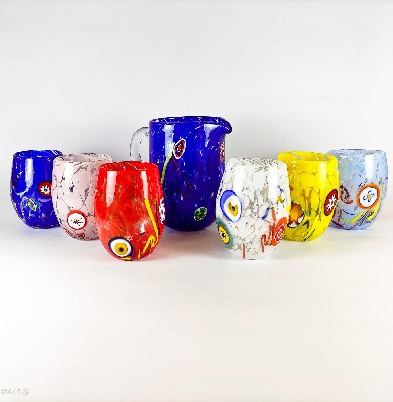 Set di 6 bicchieri di Murano colorati e caraffa abbinata