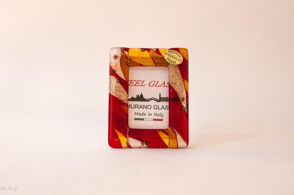Cornice in vetro di Murano rosso bianco e oro