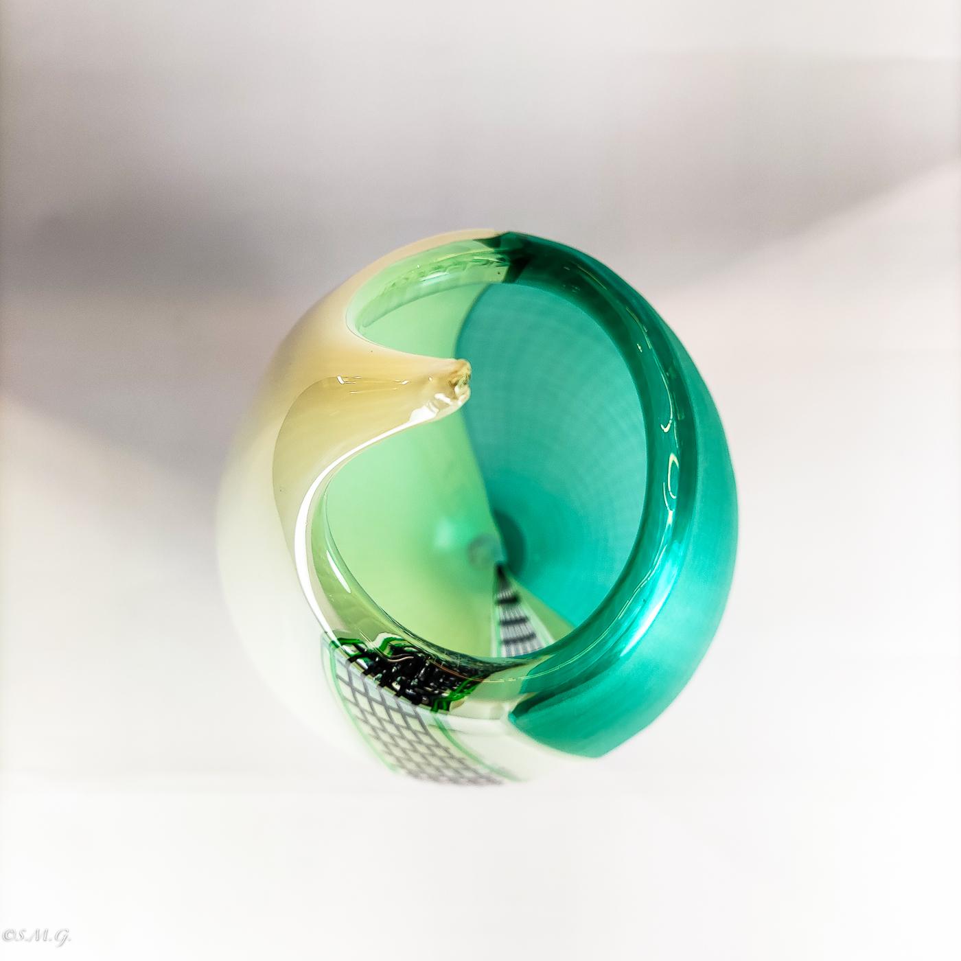 Vaso in vetro di Murano bianco nero e verde
