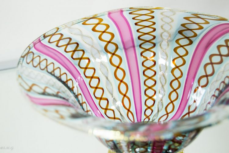 Murano Glass bowl with gold and twisted rolls of glass