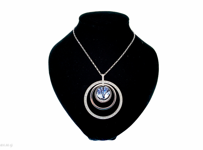 Necklace in round shape with Murano glass bead 002