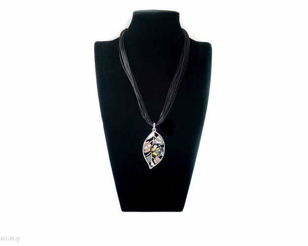 Murano Glass Necklace in the shape of a leaf with glass bead