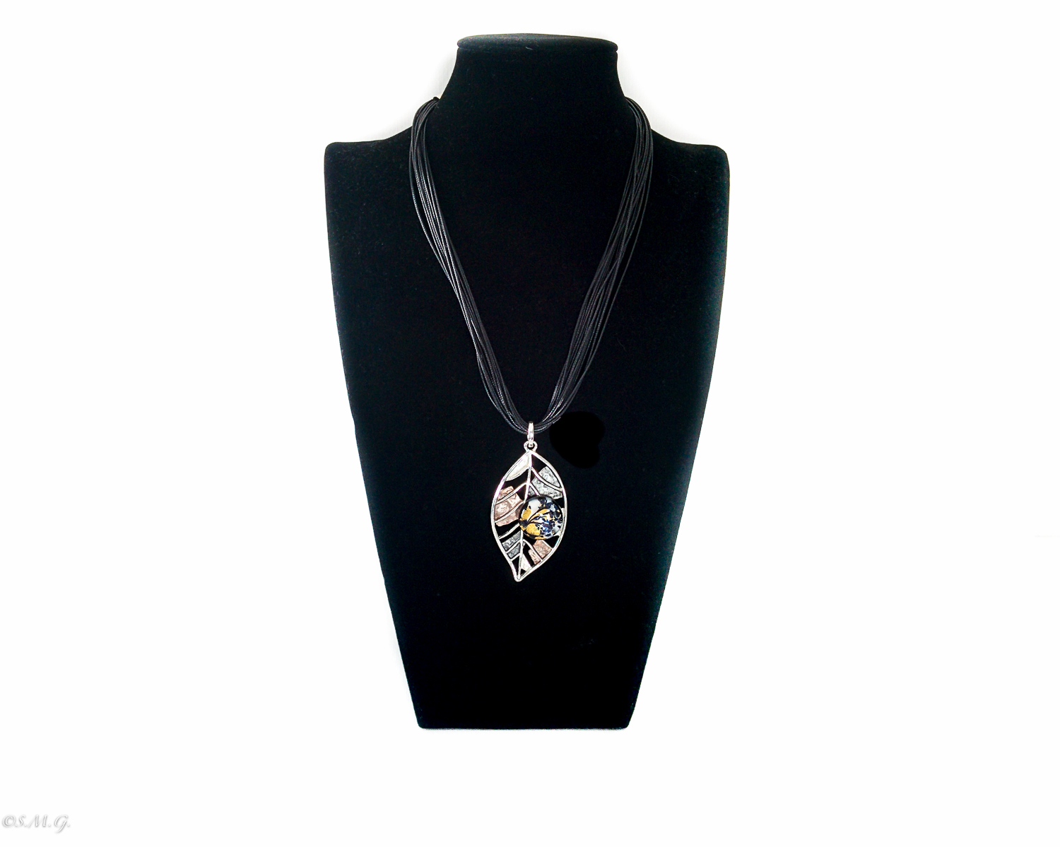 Leaf shaped necklace with Murano glass bead 012