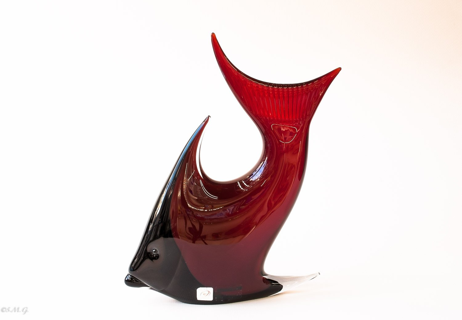 "Murano Glass Red and Black sea fish with ""Incalmo"""