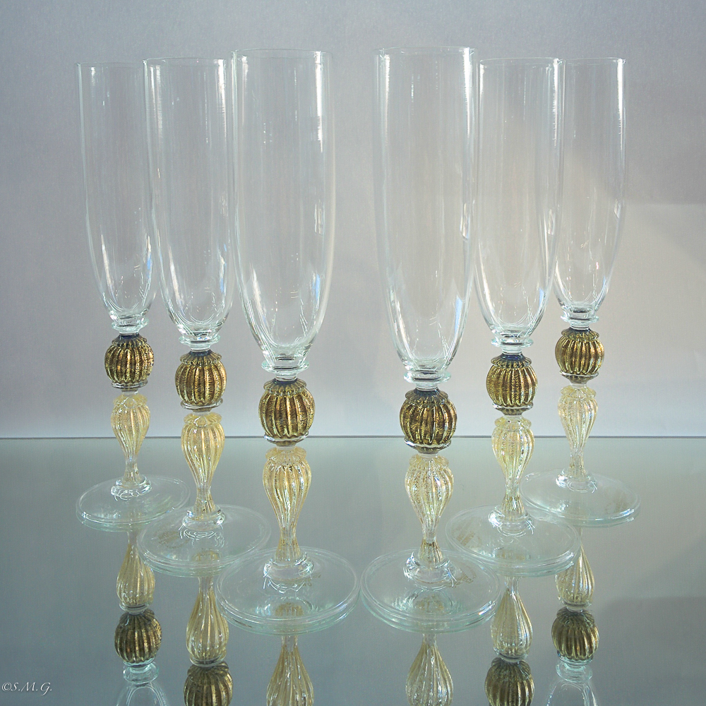 Set of 6 Murano glass chalices with gold