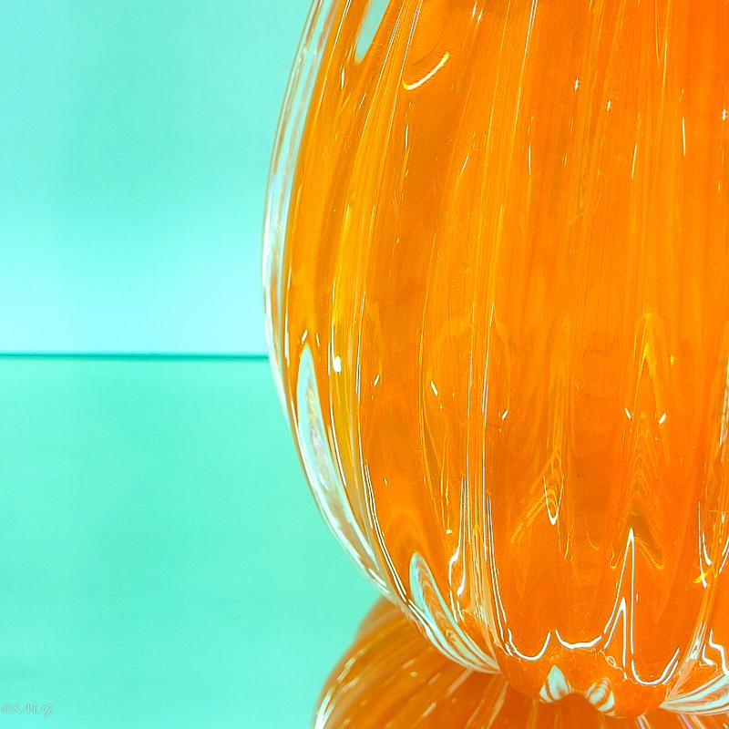 Uovo arancione in vetro di Murano