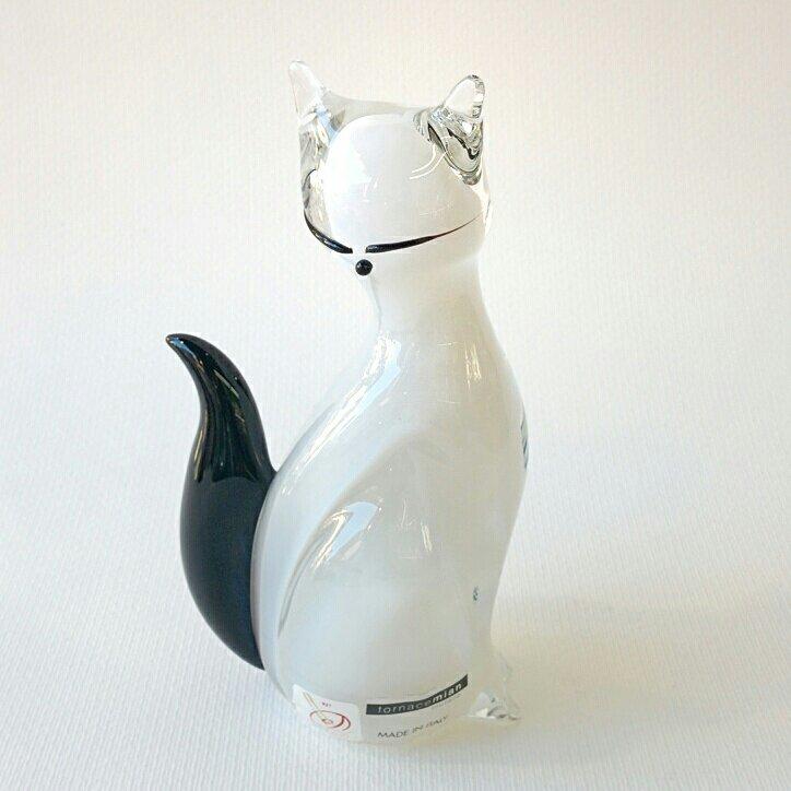 Gatto in vetro di Murano bianco con coda nera