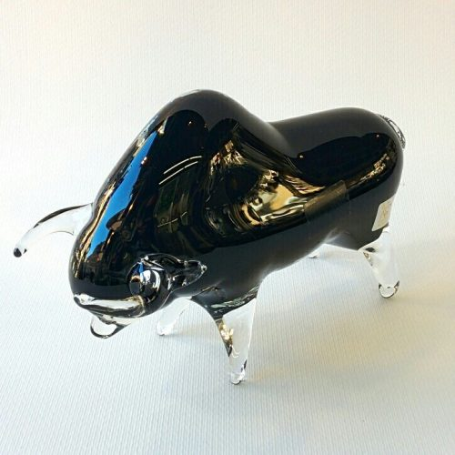 Toro in vetro di Murano nero con corna e gambe in vetro trasparente