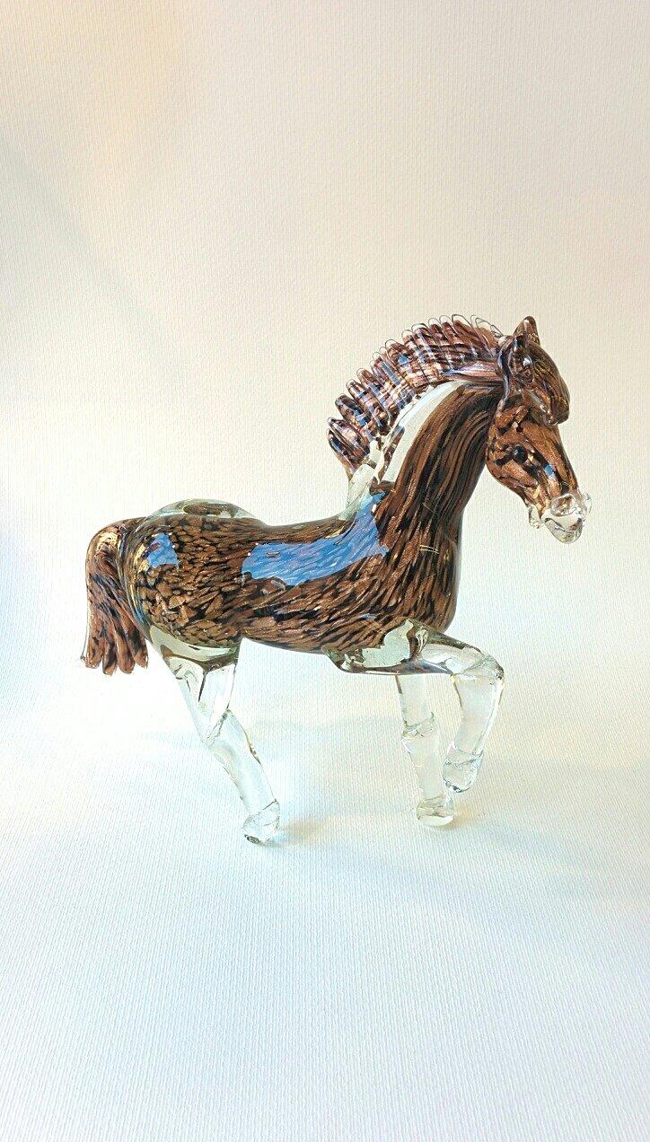 Cavallo in vetro di Murano nero con avventurina