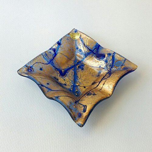 Piatto quadrato in vetro di Murano azzurro con foglia oro
