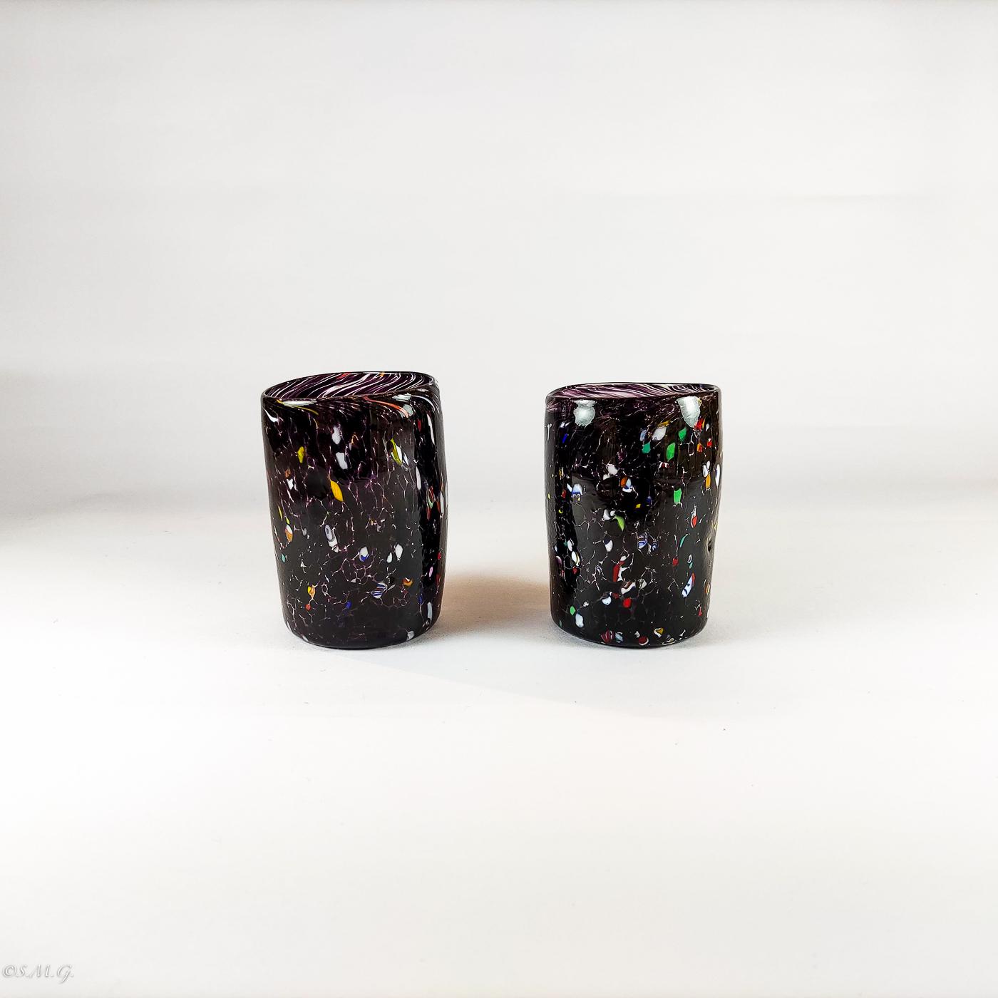 2 bicchieri in vetro di Murano neri