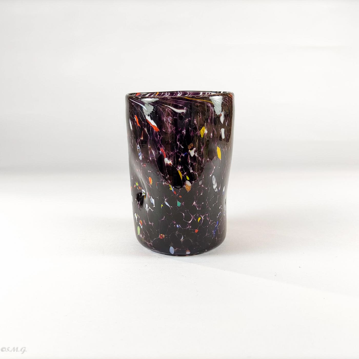 bicchiere in vetro di Murano nero