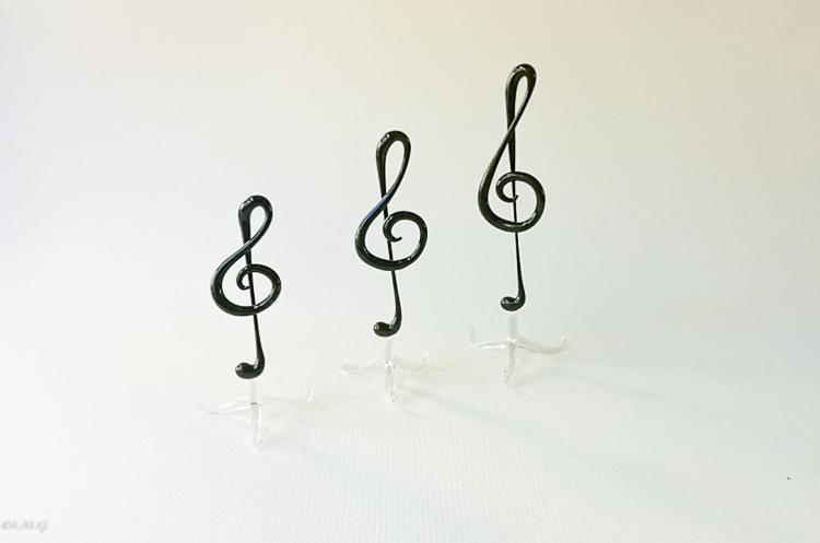 Chiavi di violino in vetro di Murano nero su base trasparente