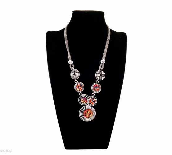 Murano glass Necklace with red beads an round steel discs