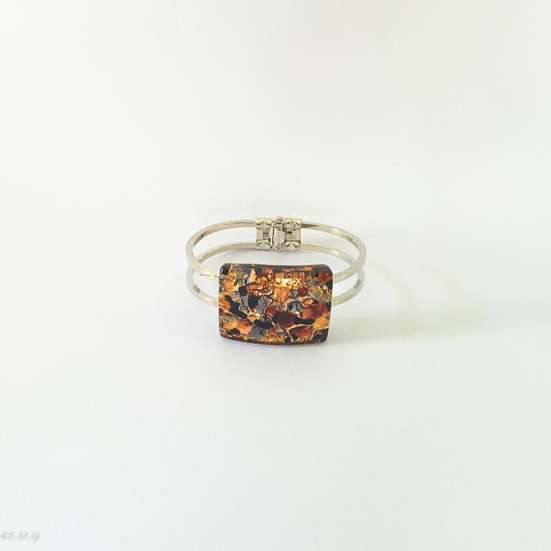 Bangle bracelet with Murano Glass Plate
