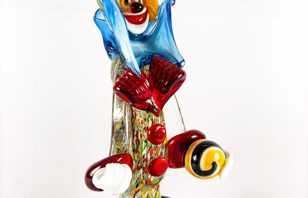 Small size Murano glass clown with red hat and ball Circus07