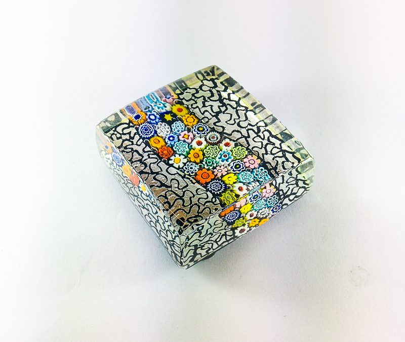 Fermacarte in vetro di Murano con argento e murrina 02