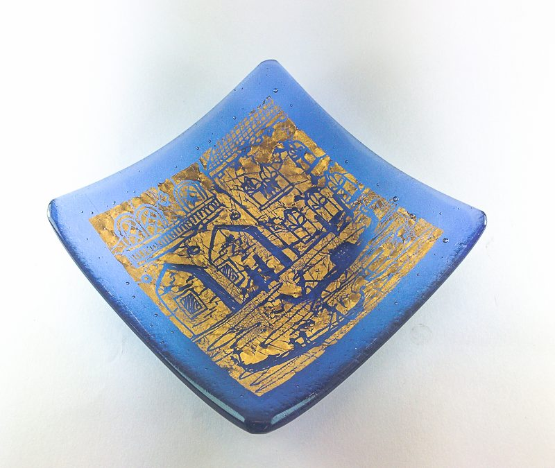 Light blue Murano glass plate with gold and engravings