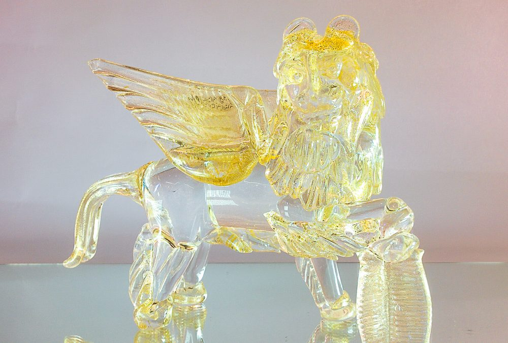 St. Mark's Lion with clear glass and gold medium size