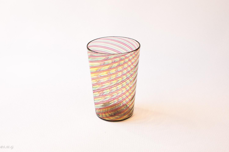 Murano glass tumbler with filigrana