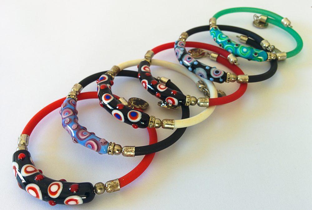 Series of bracelets Puntati collection