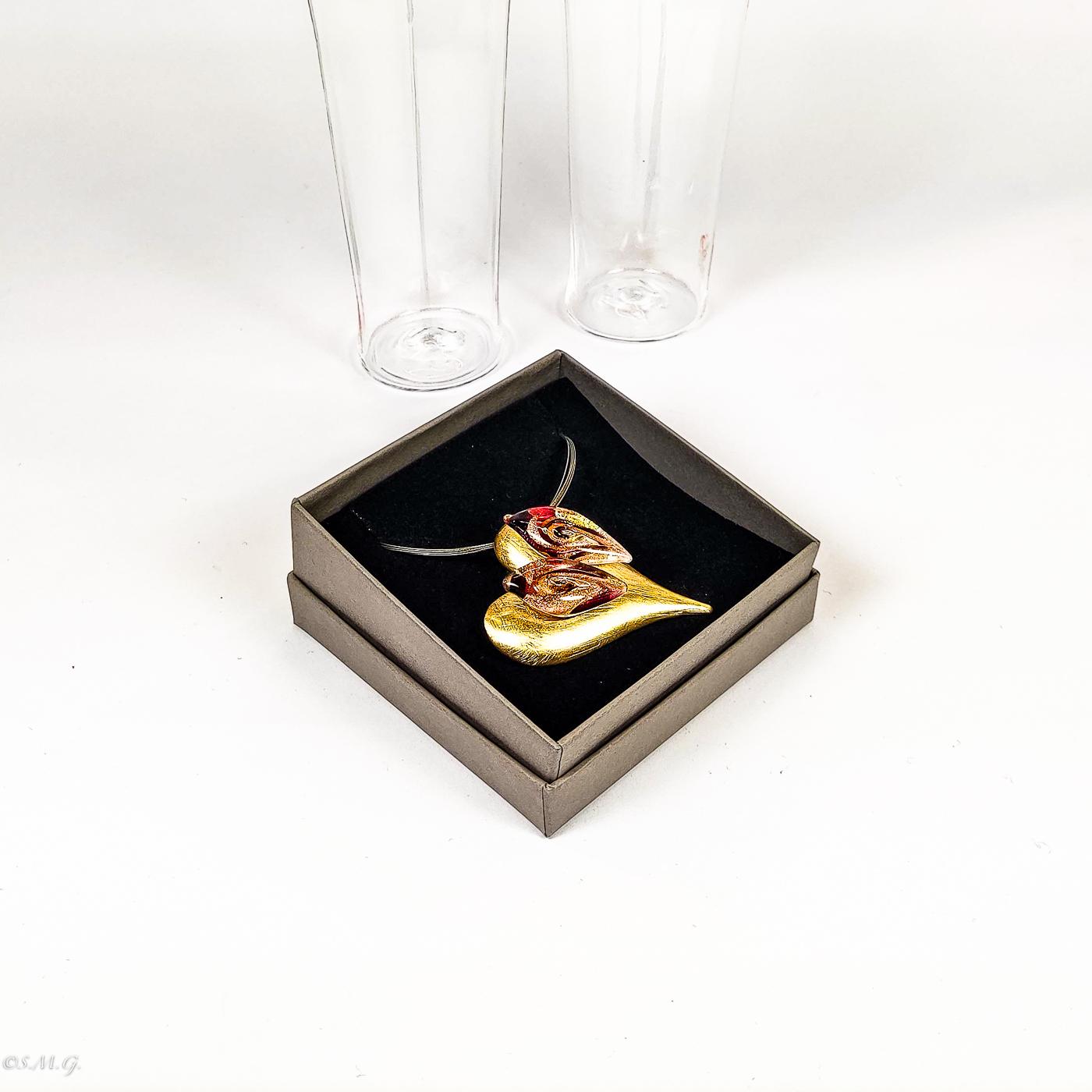 Set di 2 goti esagonali e pendente a forma di cuore 01