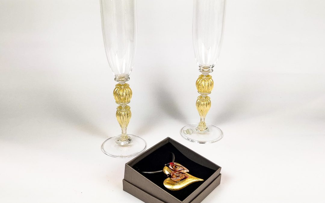 Set of 2 champagne Flutes Veronese with heart shaped pendant 03